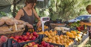 Foto: Mangiare frutta e verdura all'isola d'Elba.