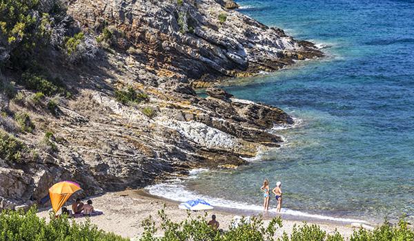 7 spiagge dell'isola d'Elba poco conosciute_spiaggia di buzzancone a Capoliveri