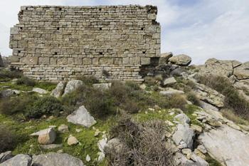 Foto: Il muro più antico dell'isola d'Elba.