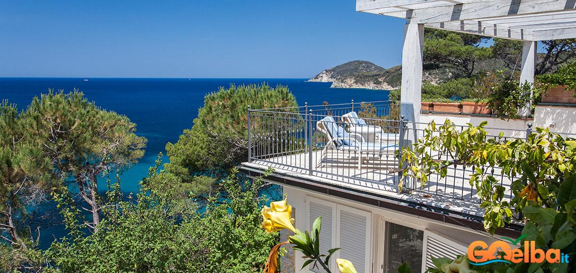 Photo  A villa on the sea